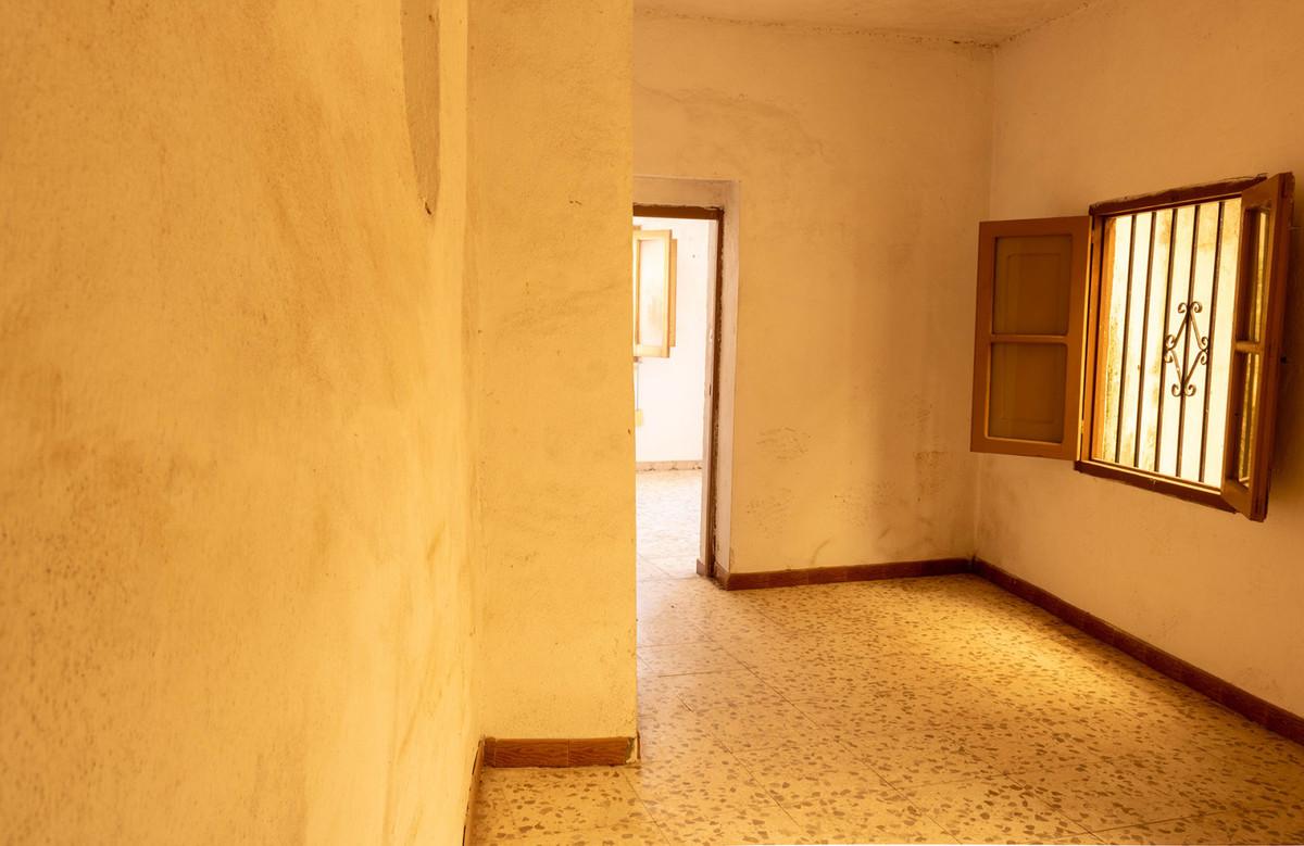 5 Dormitorio Adosada Unifamiliar En Venta Alozaina