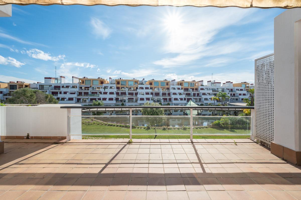 1 Bedroom Middle Floor Apartment For Sale Benahavís, Costa del Sol - HP3804637