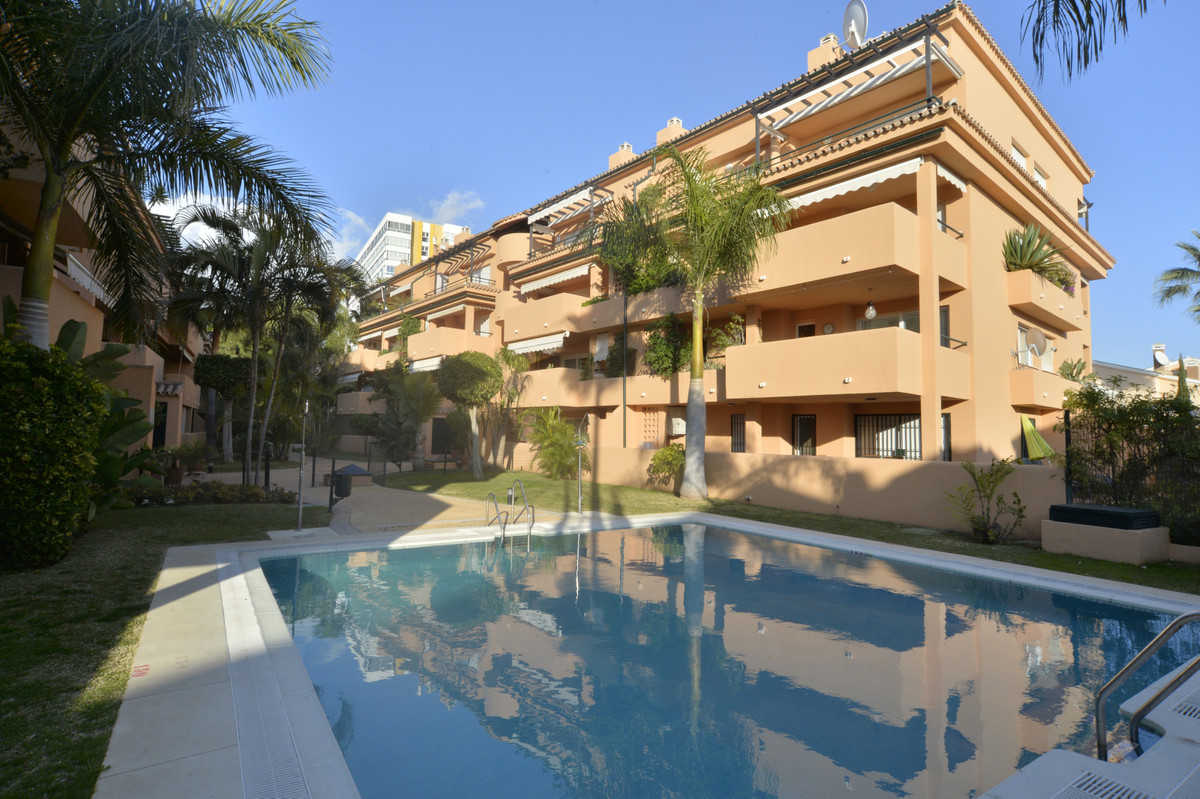 Located 50 meters from the beach  in urbanization with gardens and swimming pool. IDEAL TO LIVE ALL ,Spain
