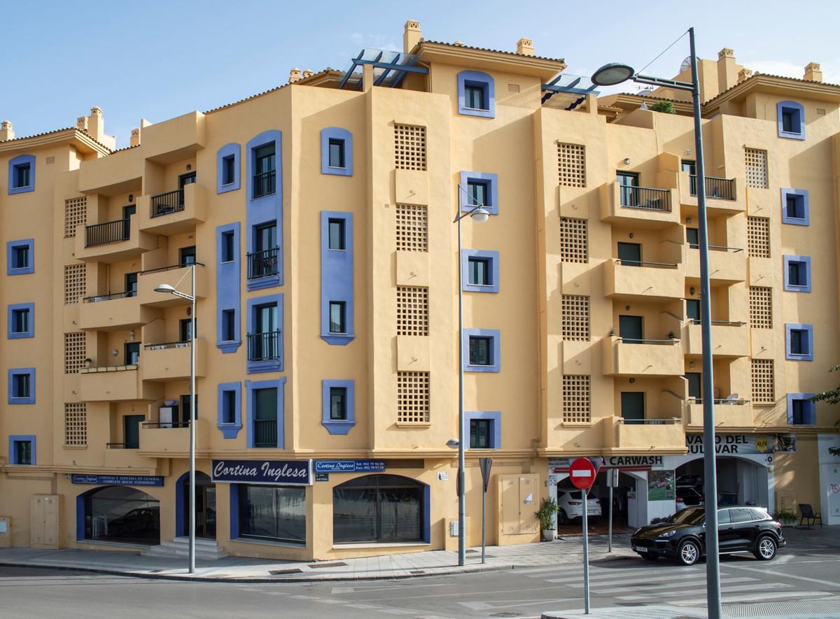 OPPORTUNITY FOR INVESTORS! Large commercial premise on the Boulevard de San Pedro de Alcantara, Marb,Spain