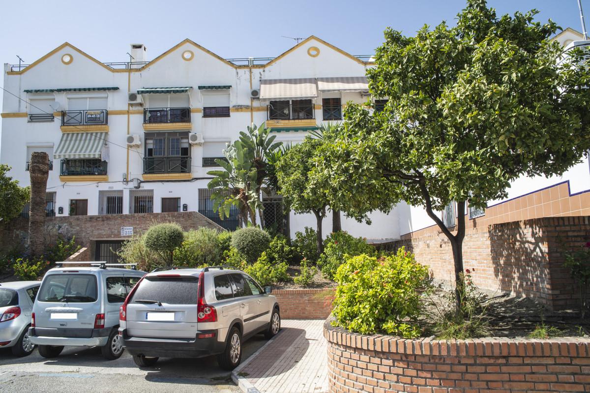 Apartamento en Planta Última en venta en San Pedro de Alcántara R3690311