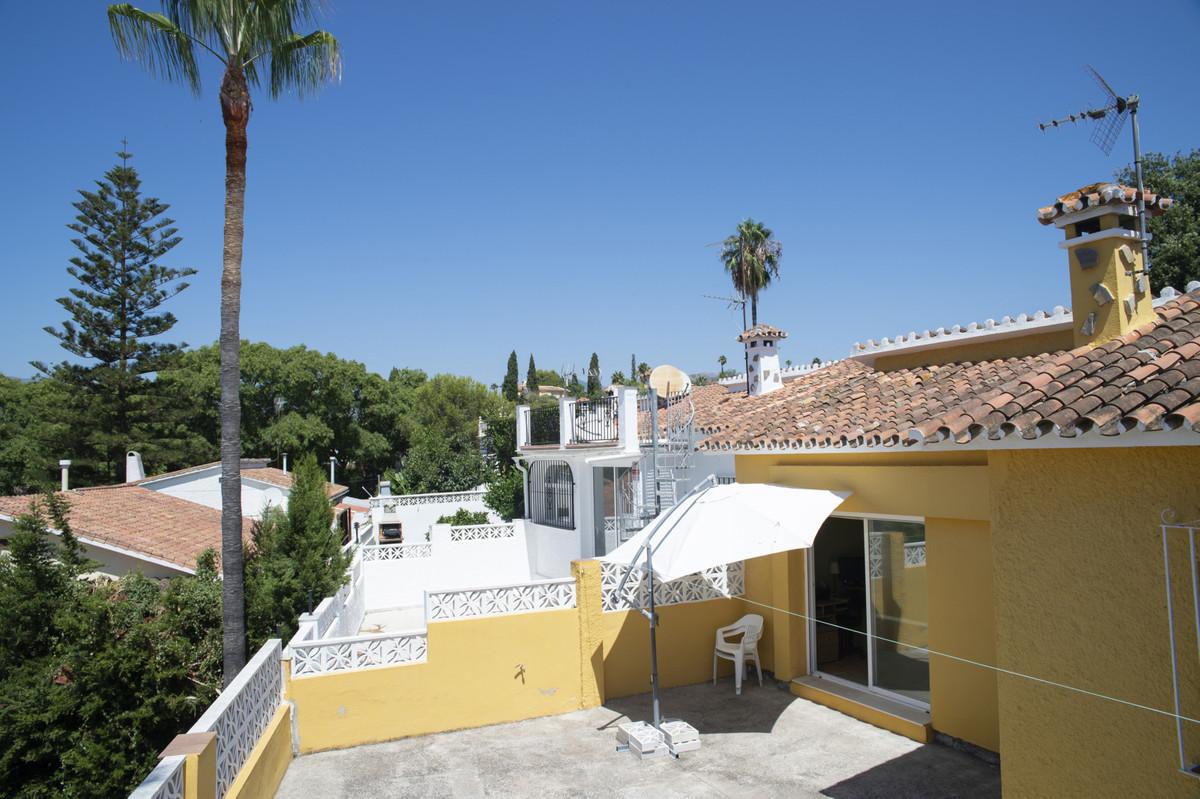 Villa, Detached  for sale    en Elviria