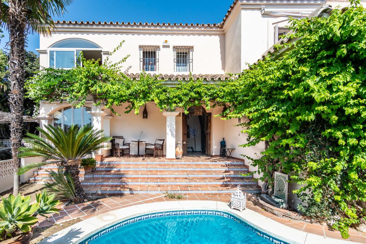 Freistehende Villa in Guadalmina Alta R3463348