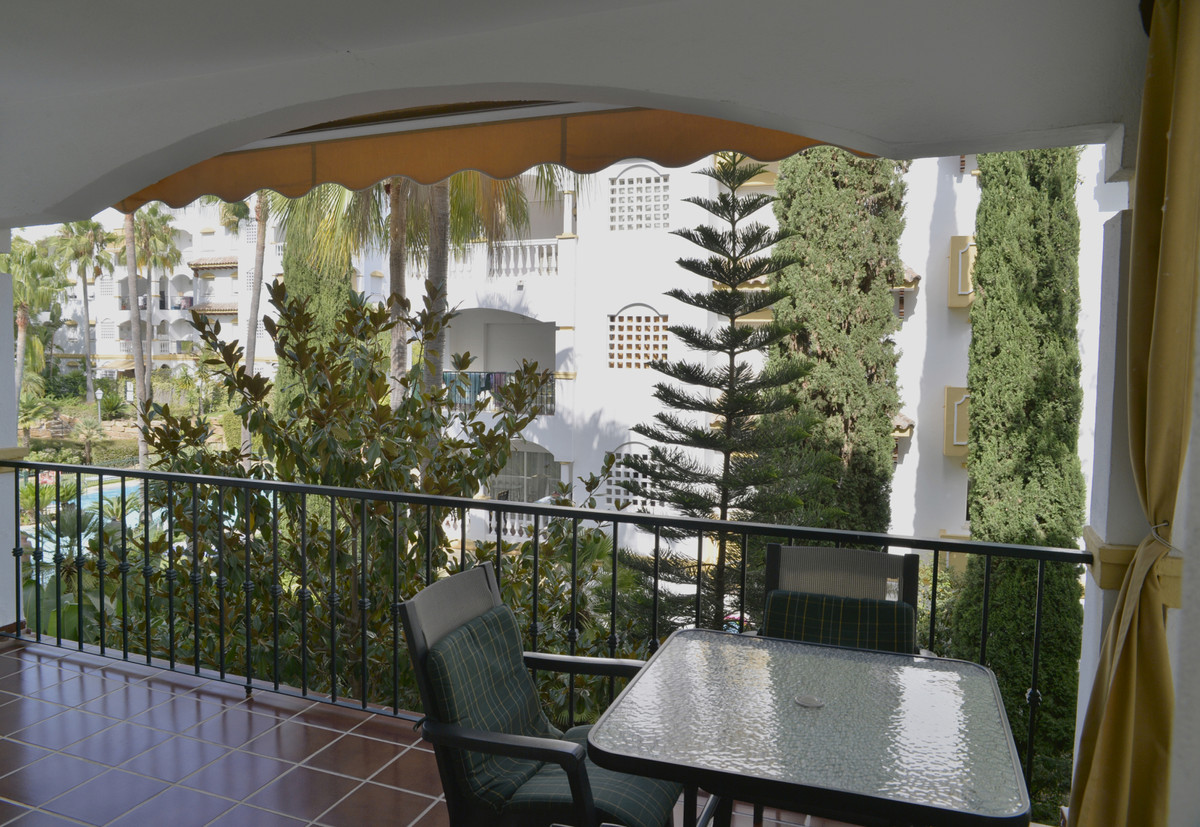 Apartamento con 2 Dormitorios en Venta Nagüeles
