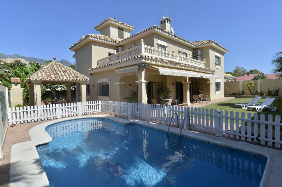 Freistehende Villa in Marbella R2958809