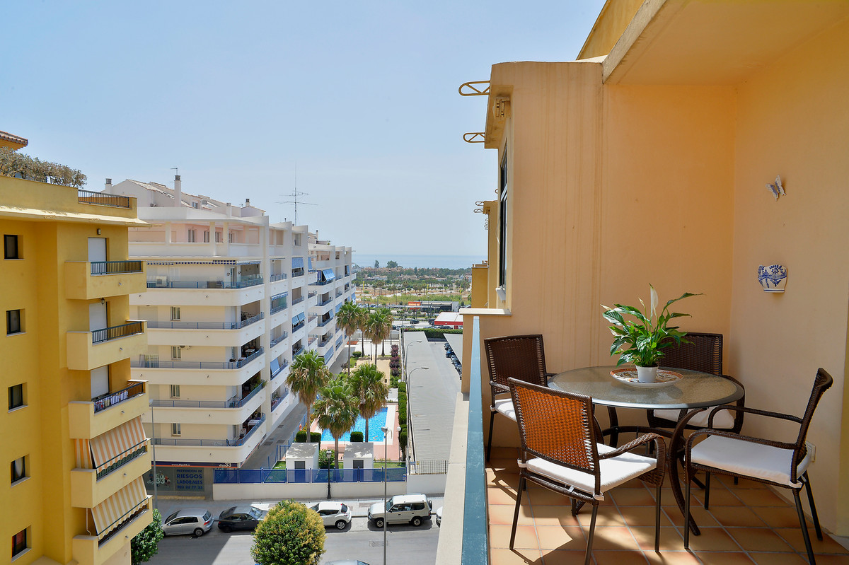 Cozy apartment with 2 bedrooms, 2 bathrooms, living-dining room, fully equipped and furnished kitcheSpain