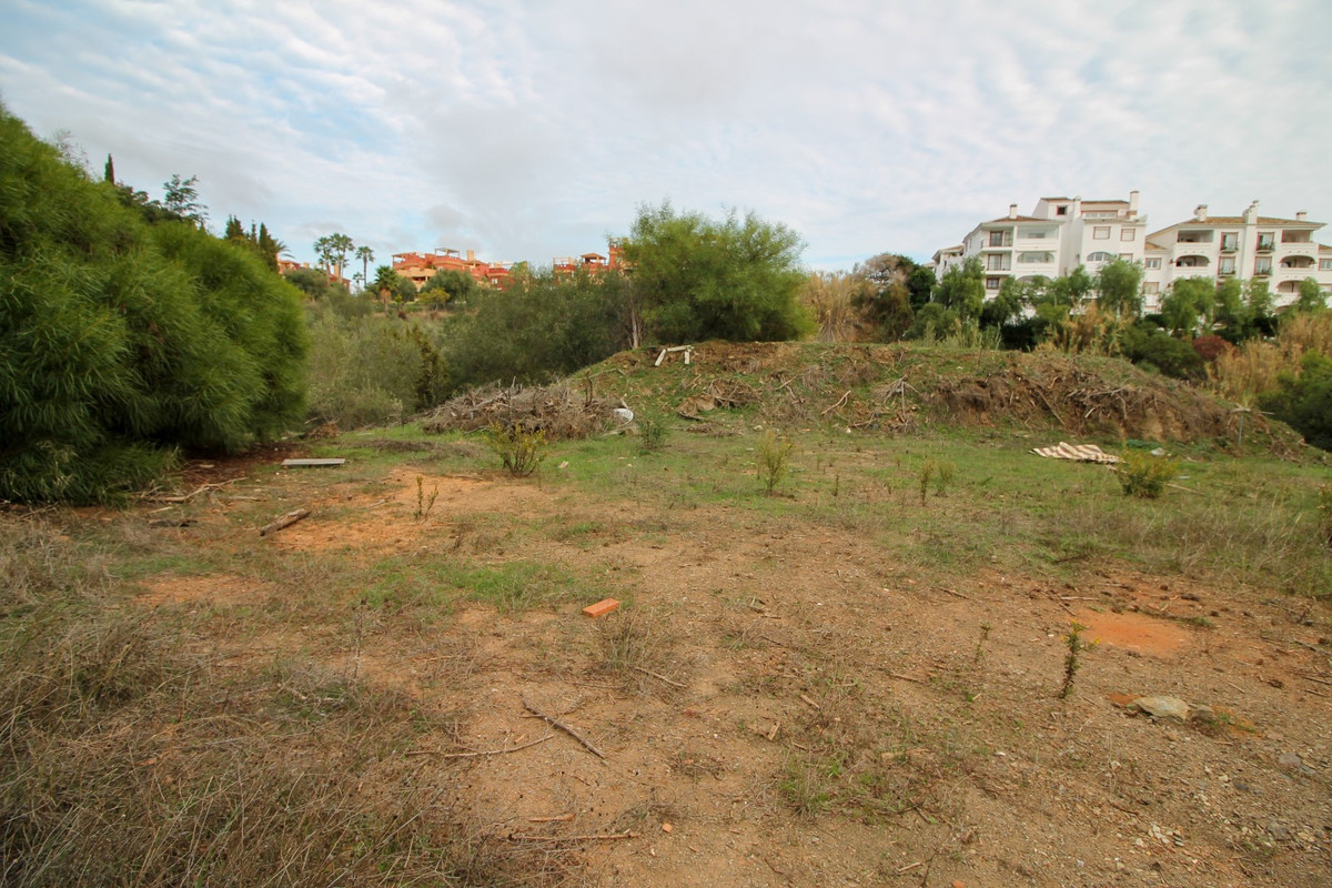 Large residential plot with sea views and neighbouring green zone with beautiful trees in the presti,Spain