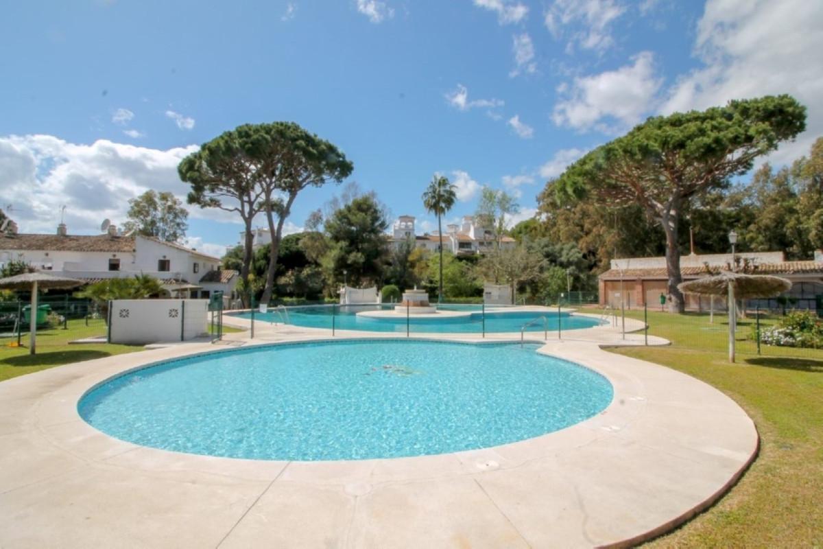 House in Elviria R3628523 3