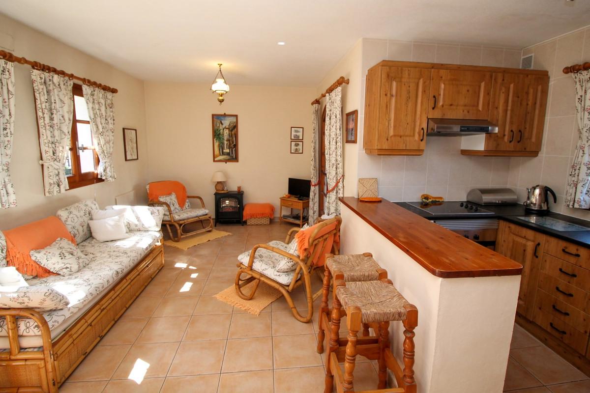 House in Elviria R3628523 7