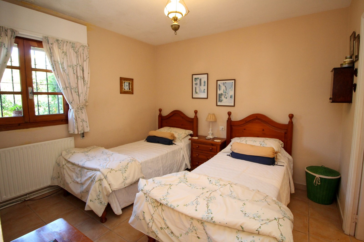House en Elviria R3628523 9