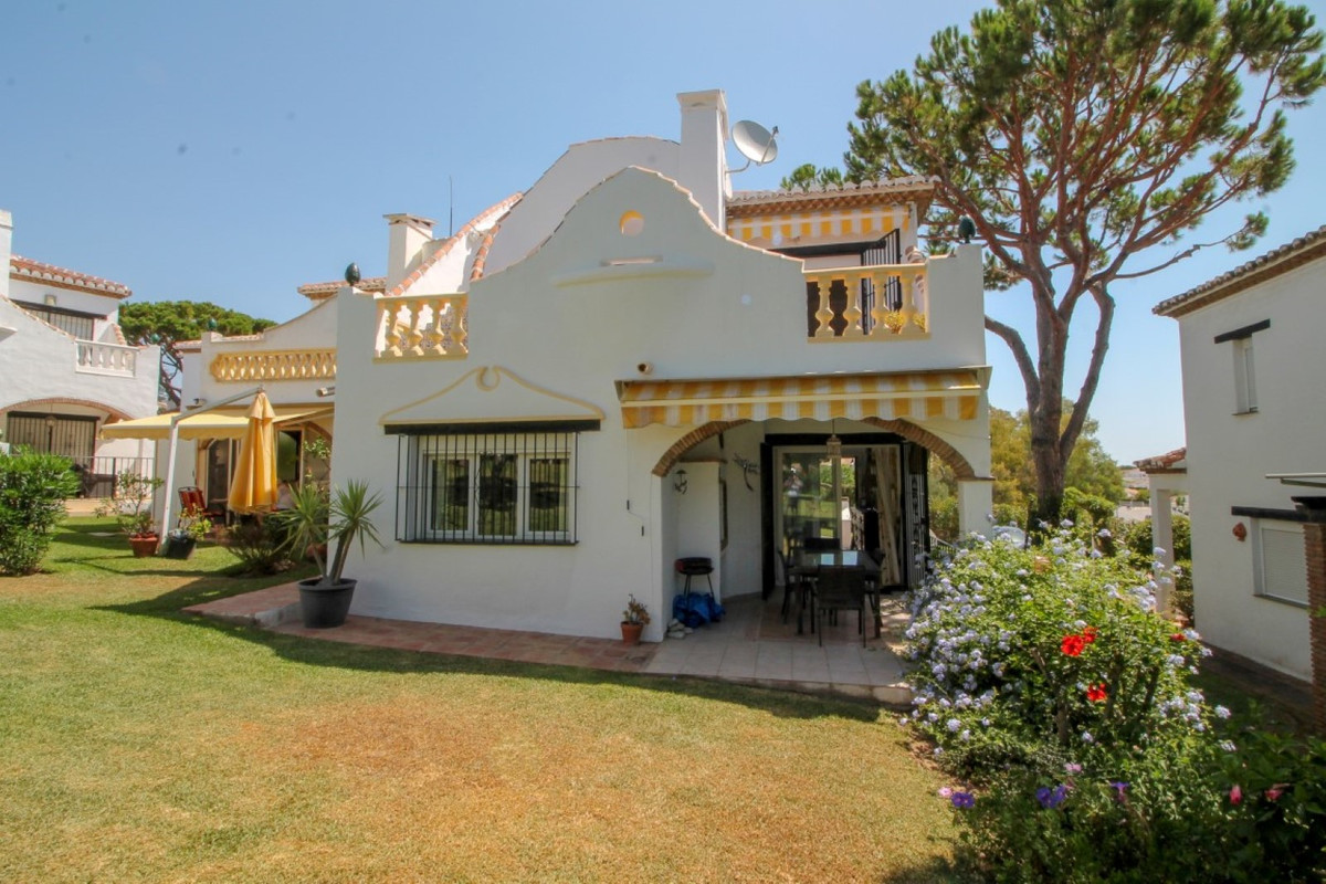 UNDER OFFER Fantastically located semi detached villa in Calahonda, walking distance to the beach, s,Spain