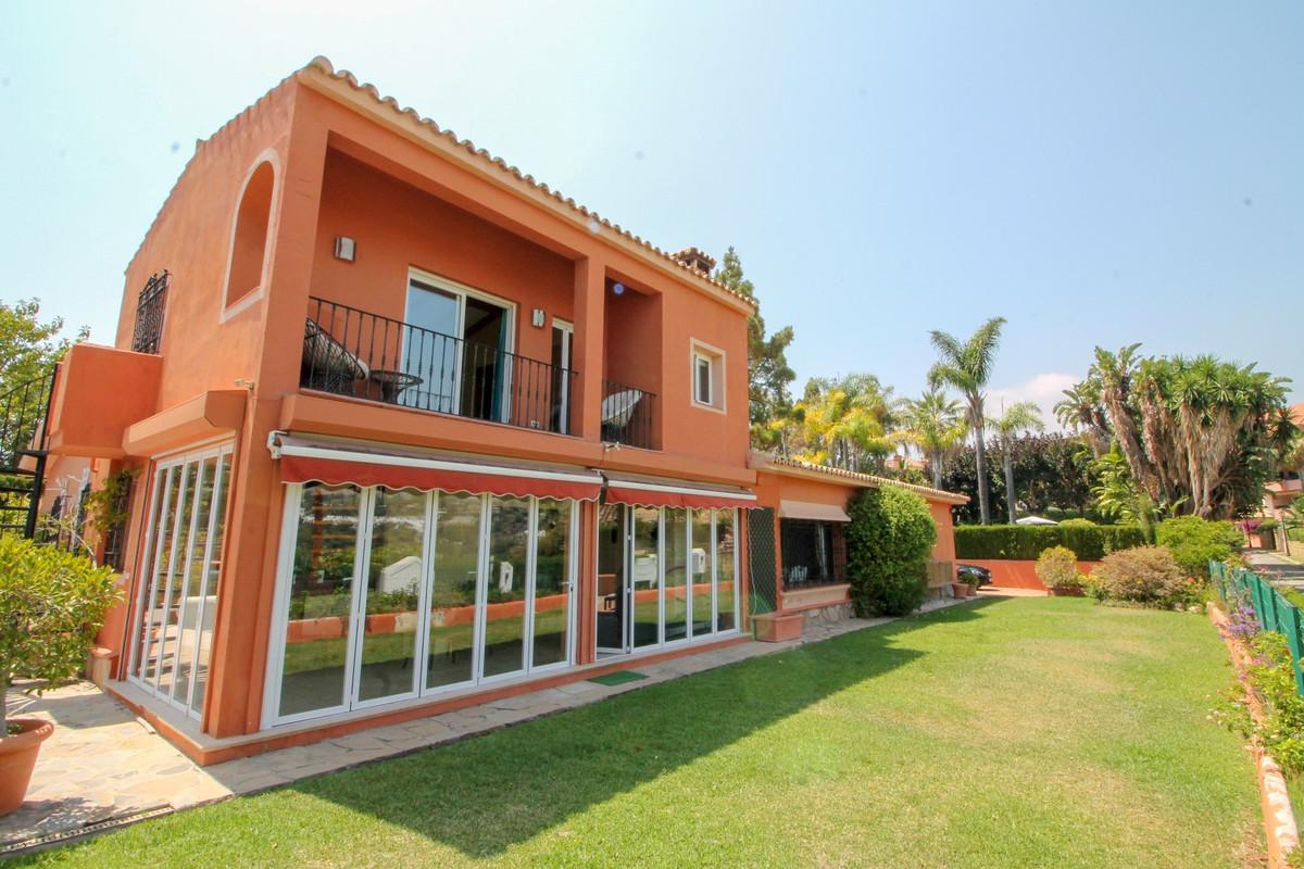 Villa - Río Real