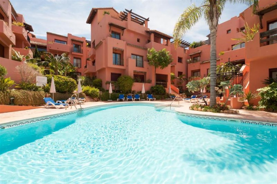 Excellent 2 bedroom 2 bath apartment located just 100 meters from the beach in Elviria and near the ,Spain