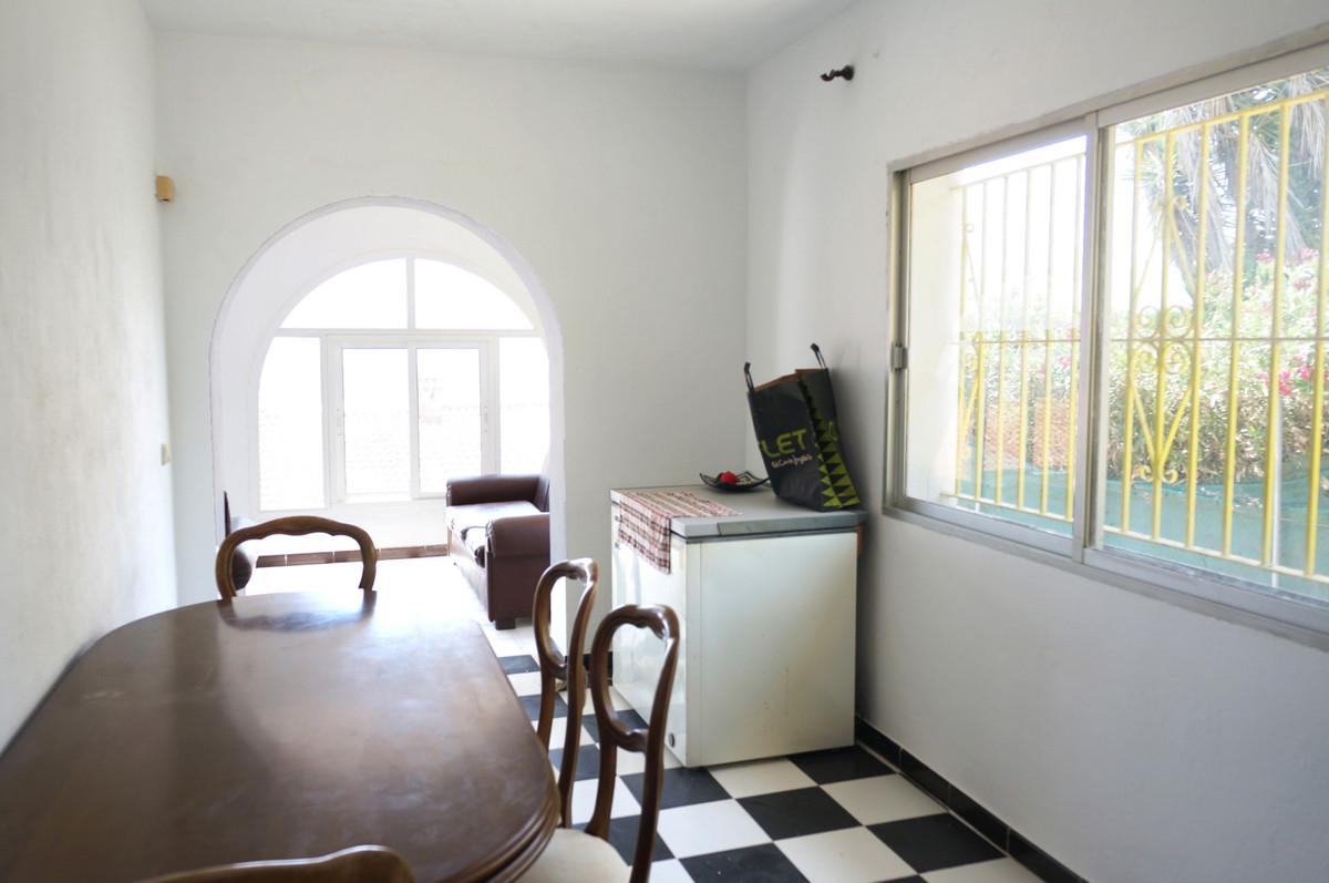 Villa in Torreguadiaro