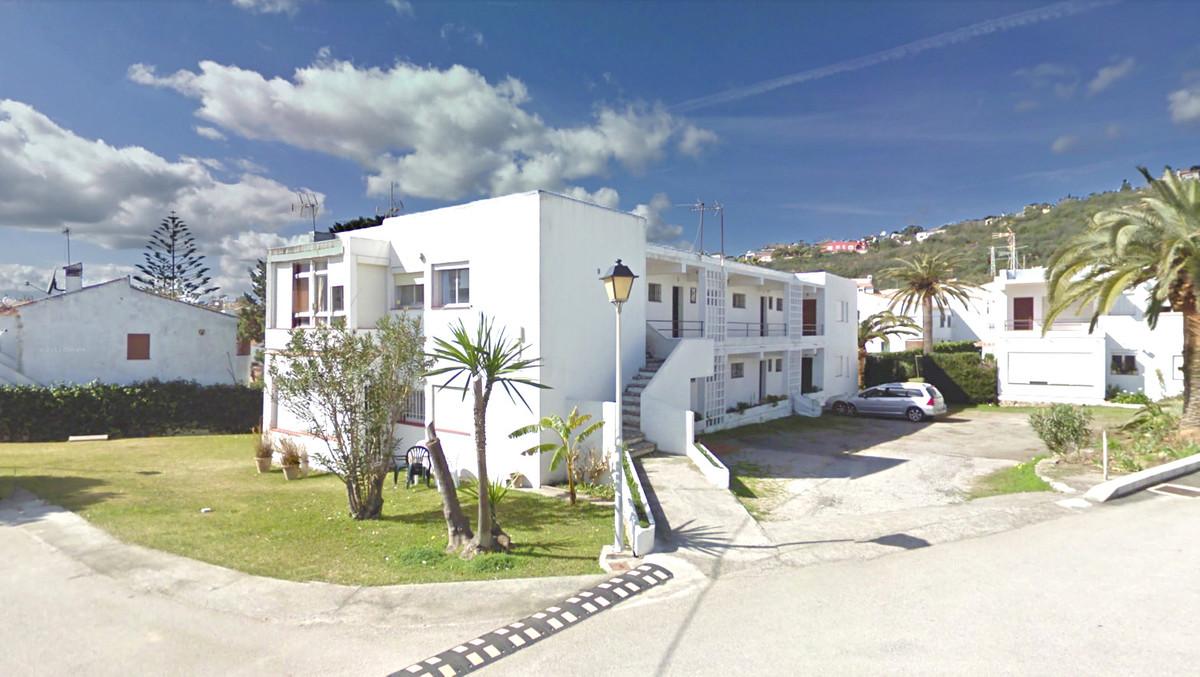 Apartamento Planta Baja 3 Dormitorio(s) en Venta Torreguadiaro