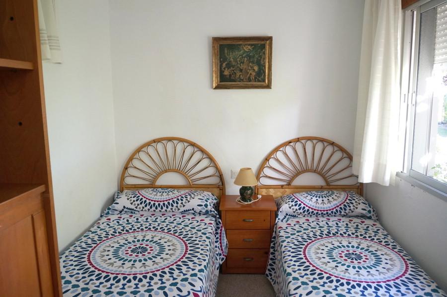 Apartamento con 3 Dormitorios en Venta Torreguadiaro