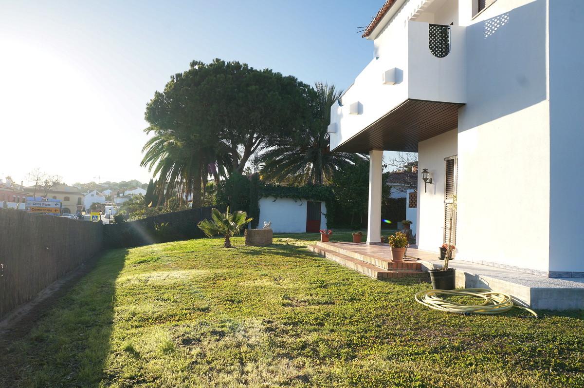 Great family house In the center of Pueblo Nuevo Guadiaro near Sotogrande, the plot is 800 m2 distri,Spain