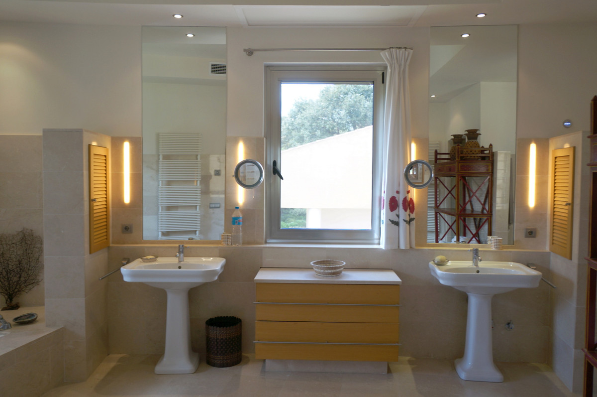 Villa con 6 Dormitorios en Venta Sotogrande Costa