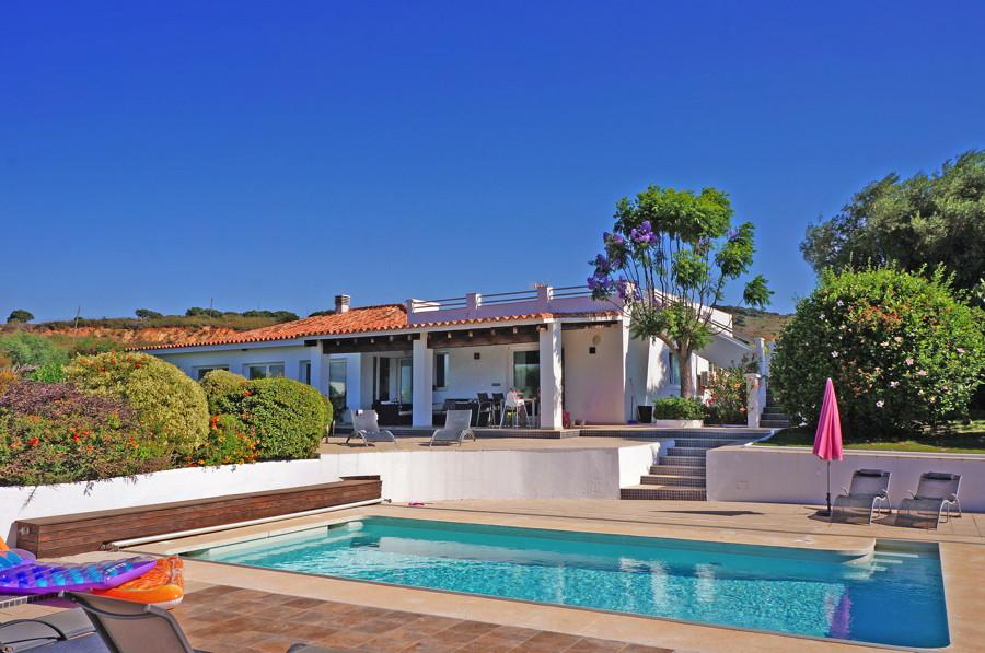 Ref:CR3211105 Villa For Sale in Torreguadiaro