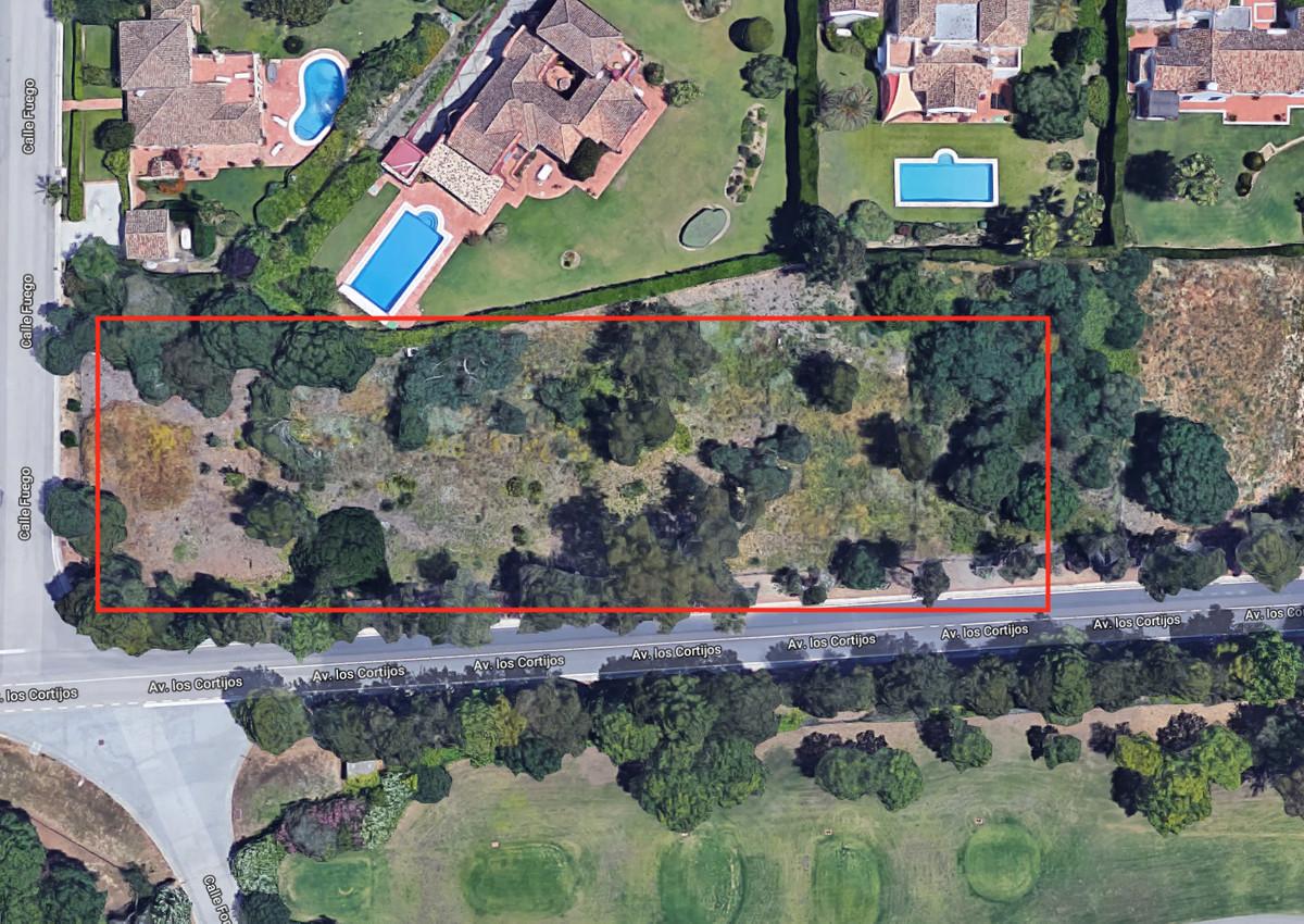 3 fantastic plots for sale in Sotogrande Alto. Prime location in Alminara with sea and golf views  P,Spain
