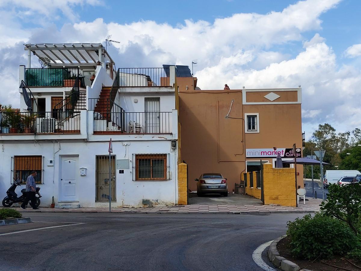 Townhouse - El Paraiso