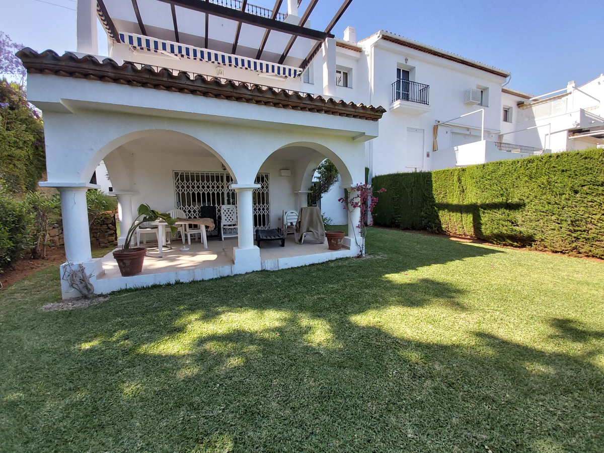 Two bedroom, two bathroom corner garden apartment in popular residential location  This apartment re,Spain