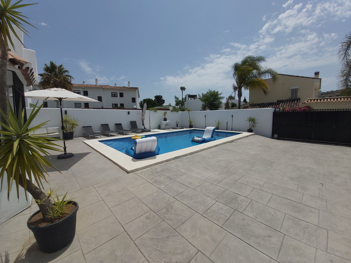 House in Atalaya R3671126 13