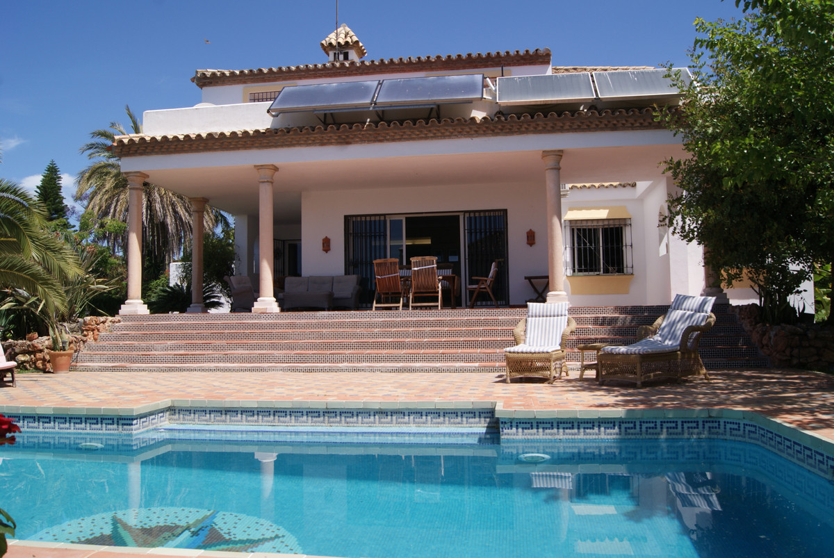Villa 4 Dormitorios en Venta El Paraiso