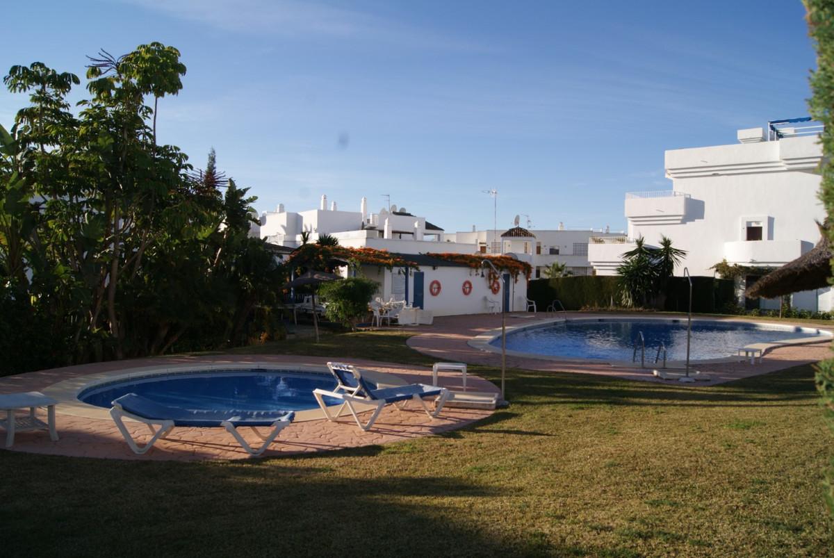 Apartment in El Paraiso
