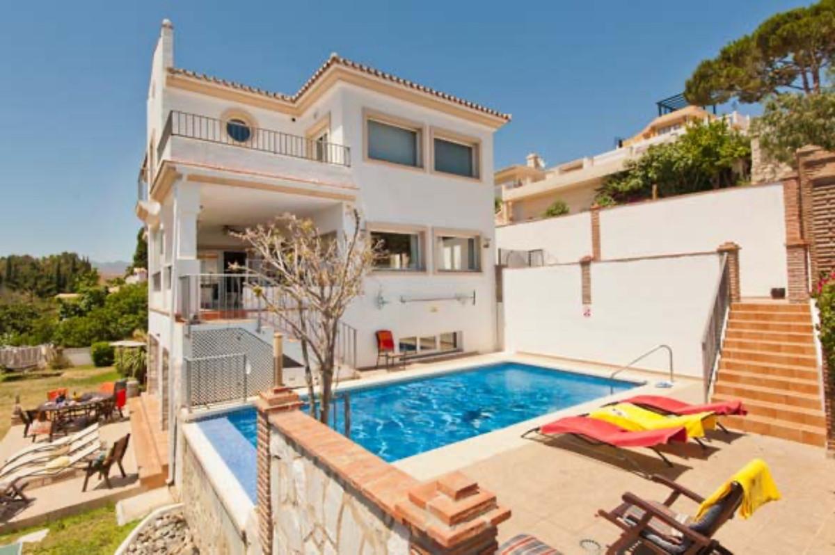 Detached Villa in Torrenueva R2152337