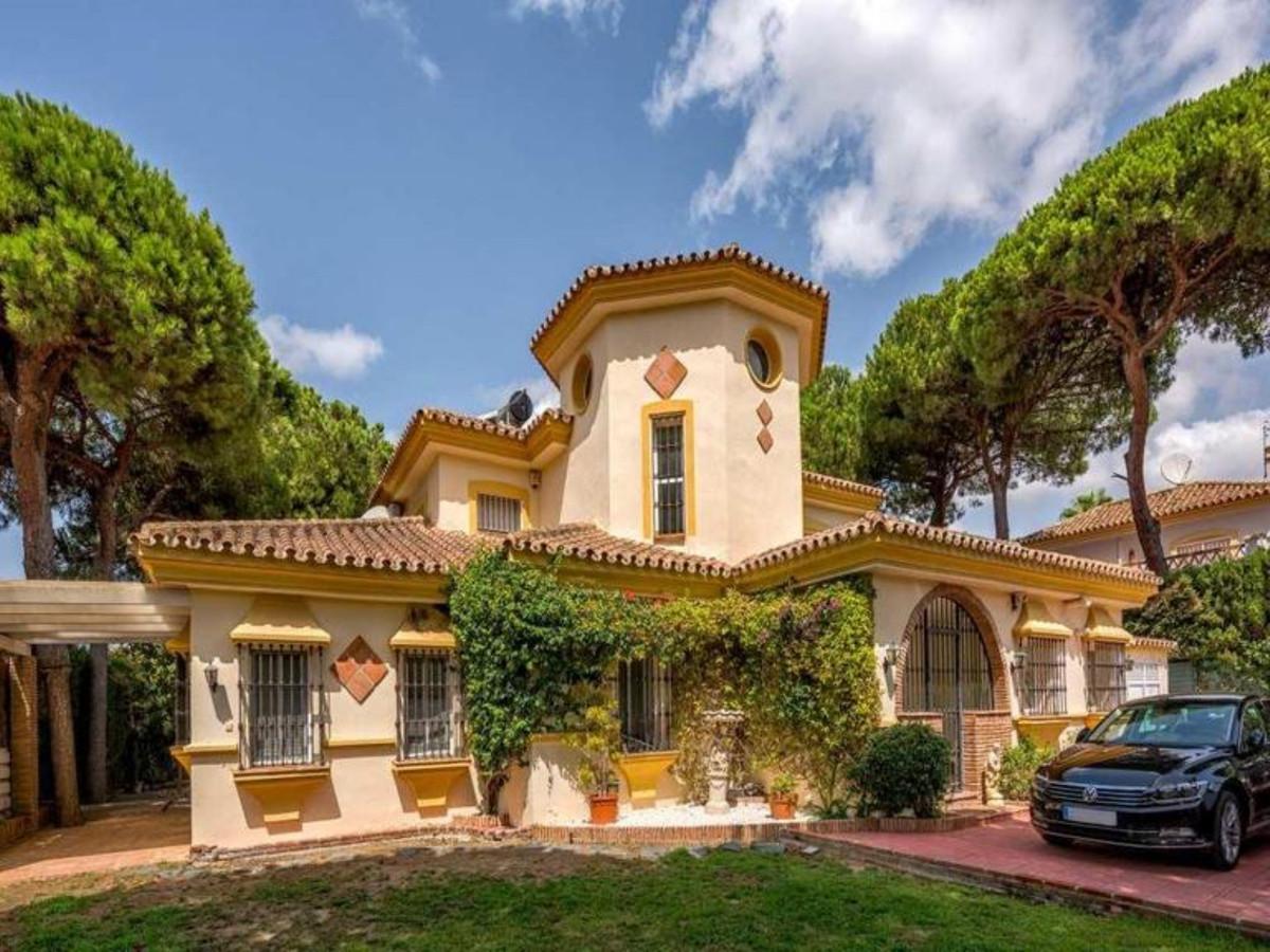 Detached Villa in Calahonda R1973015