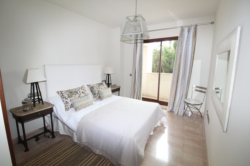 Apartment Ground Floor in Nueva Andalucía, Costa del Sol