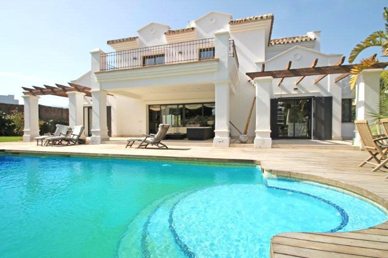 Villa  Detached for rent  in The Golden Mile