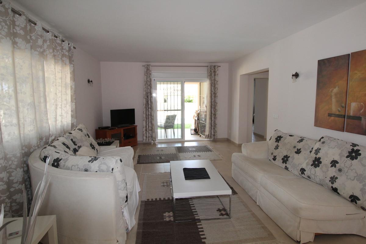 Villa con 2 Dormitorios en Venta Nueva Andalucía