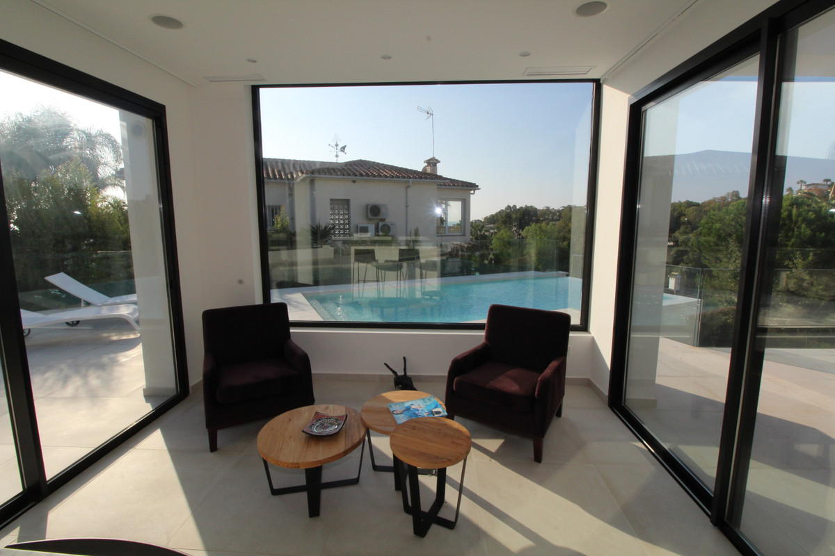 Villa con 4 Dormitorios en Venta Torrenueva