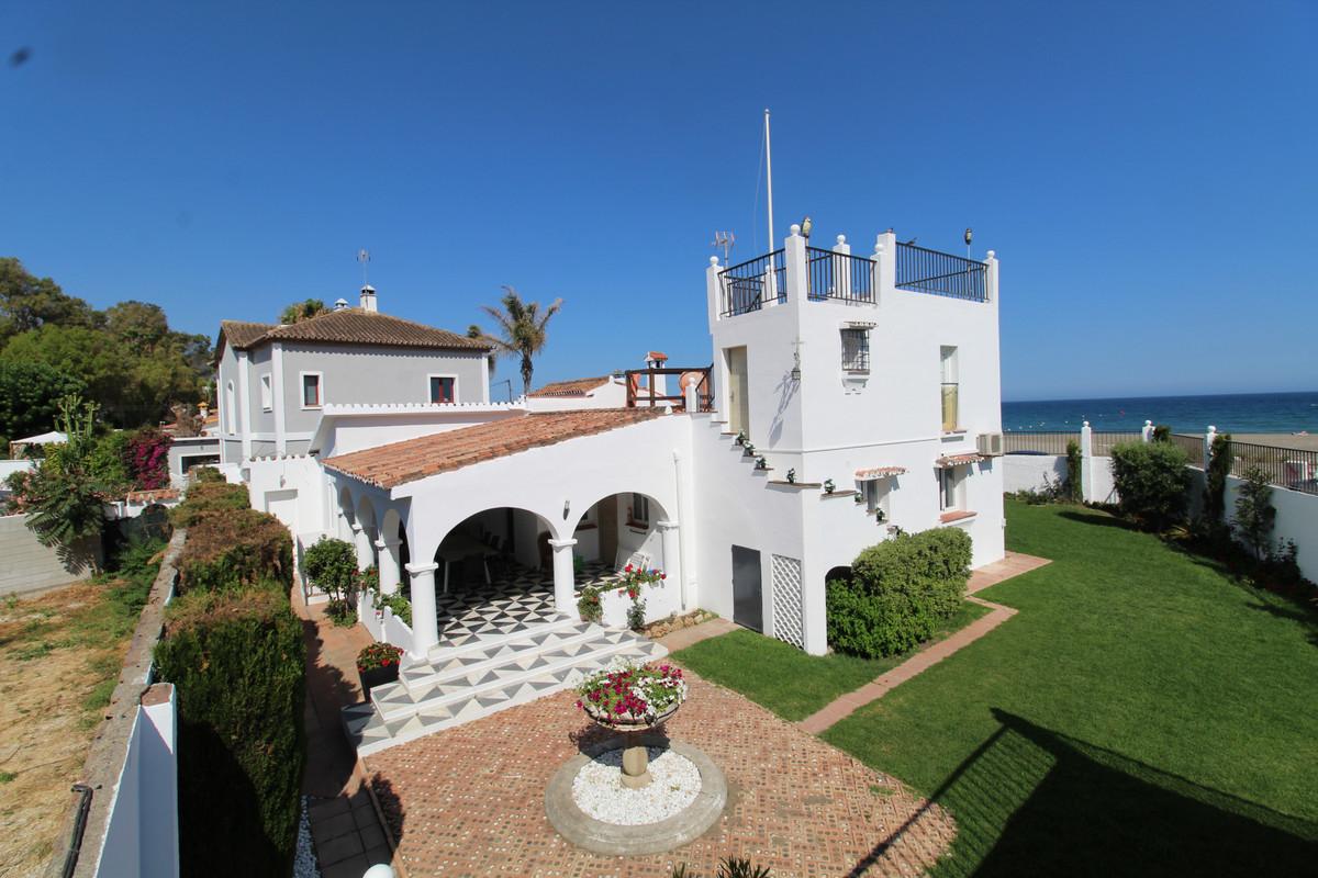 , San Pedro de Alcantara, Costa del Sol. 4 Bedrooms, 3 Bathrooms, Built 293 m², Garden/Plot 765 m². ,Spain