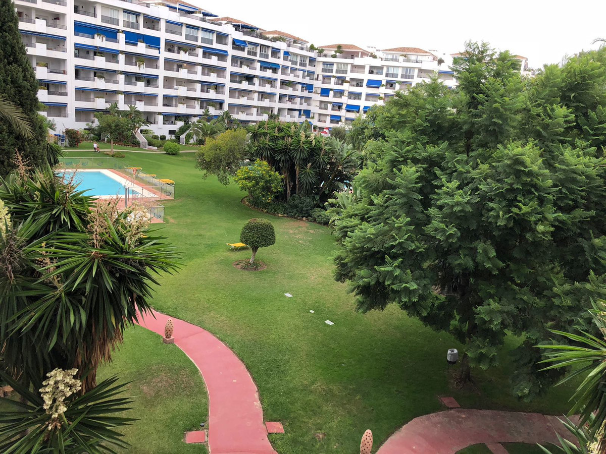 Middle Floor Apartment, Puerto Banus, Costa del Sol. 3 Bedrooms, 2 Bathrooms, Built 123 m²,,Spain