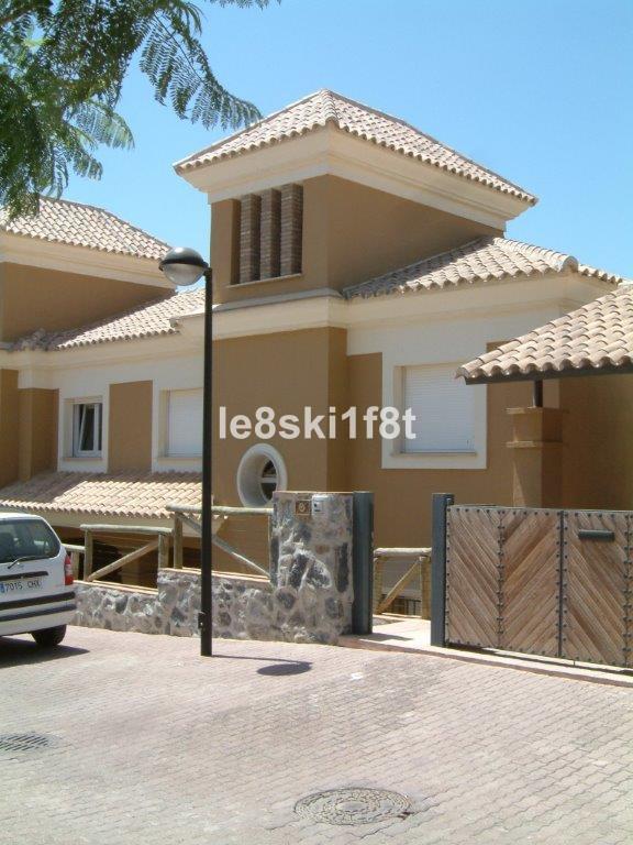 Villa 3 Dormitorios en Venta Santa Clara