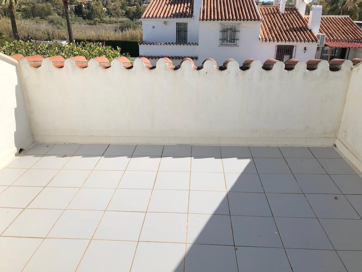 6 Bedroom Townhouse for sale Estepona