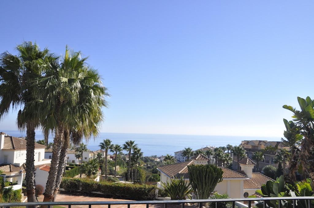 Detached Villa, La Alcaidesa, Costa del Sol. 3 Bedrooms, 2.5 Bathrooms, Built 240 m², Terrace 50 m²,,Spain