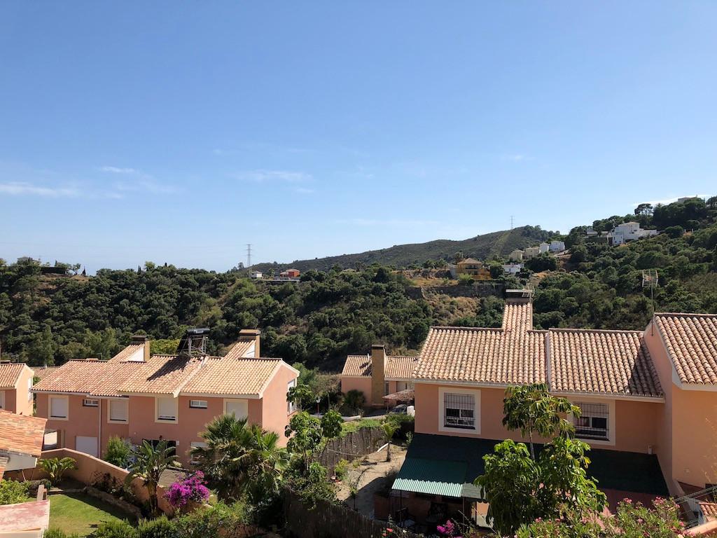 Semi-Detached House, Estepona, Costa del Sol. 3 Bedrooms, 3 Bathrooms, Built 0 m².  Setting : Countr,Spain