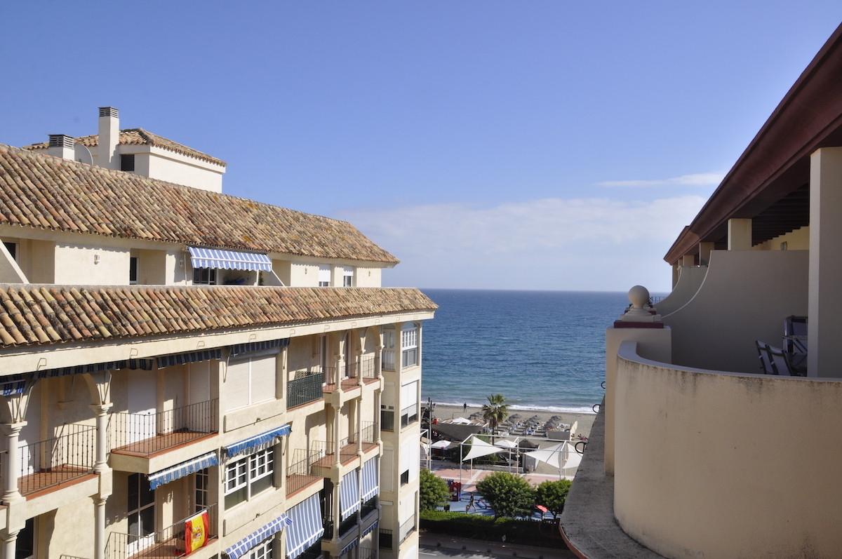 Top Floor Apartment, Estepona, Costa del Sol. 2 Bedrooms, 1 Bathroom, Built 71 m2;, Terrace 11 m2;. ,Spain