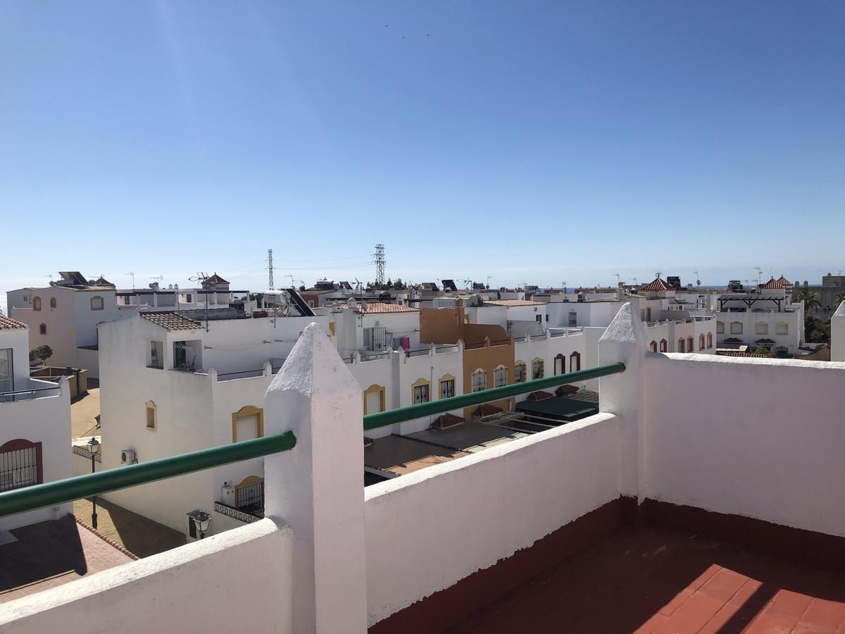 Semi-Detached House, Estepona, Costa del Sol. 2 Bedrooms, 3 Bathrooms, Built 230 m², Terrace 70 m². ,Spain
