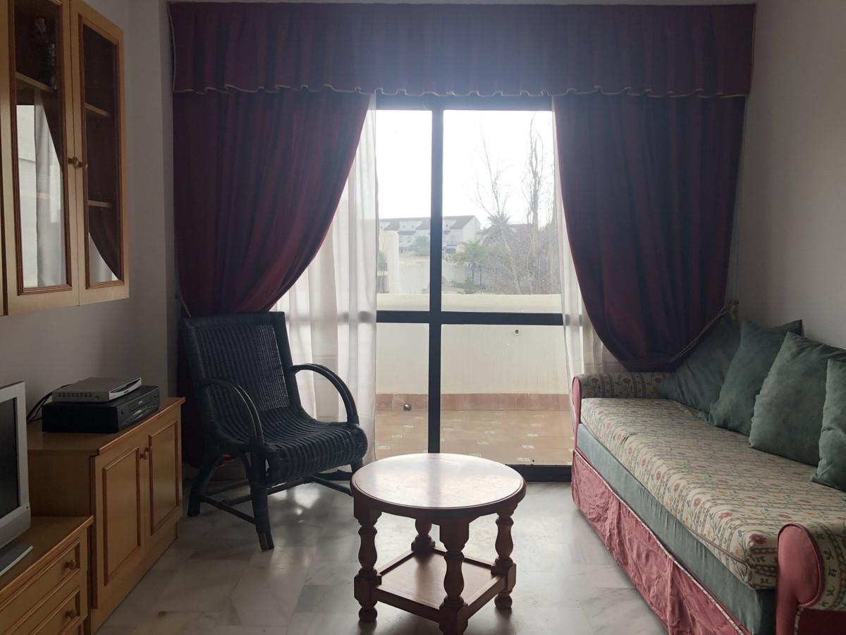 Middle Floor Apartment, Estepona, Costa del Sol. 2 Bedrooms, 1 Bathroom, Built 61 m², Terrace 12 m².,Spain