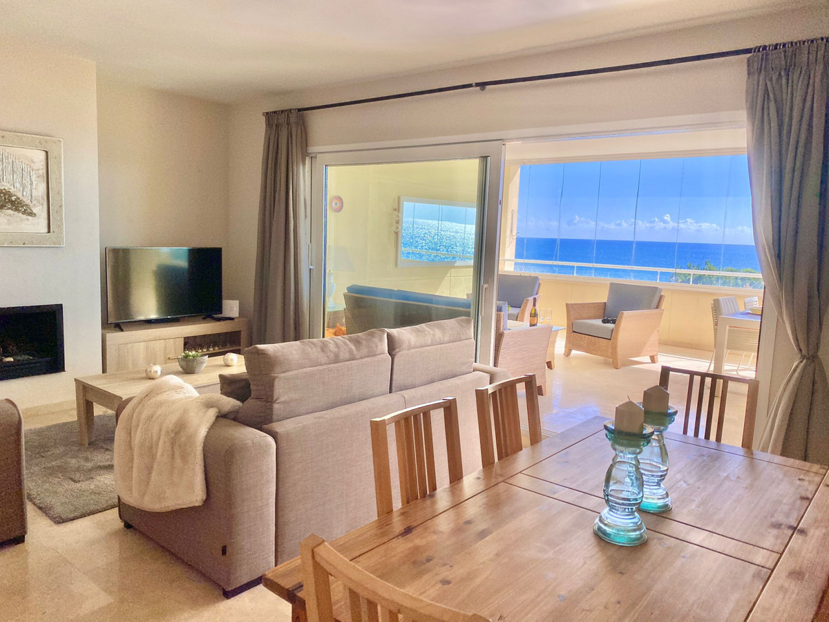 3 bedroom apartment for sale cabopino