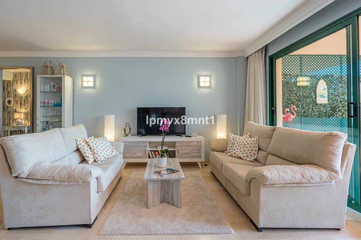 Fantastic and beautifully decorated ground floor apartment at El Manantial de Santa Maria en Elviria,Spain