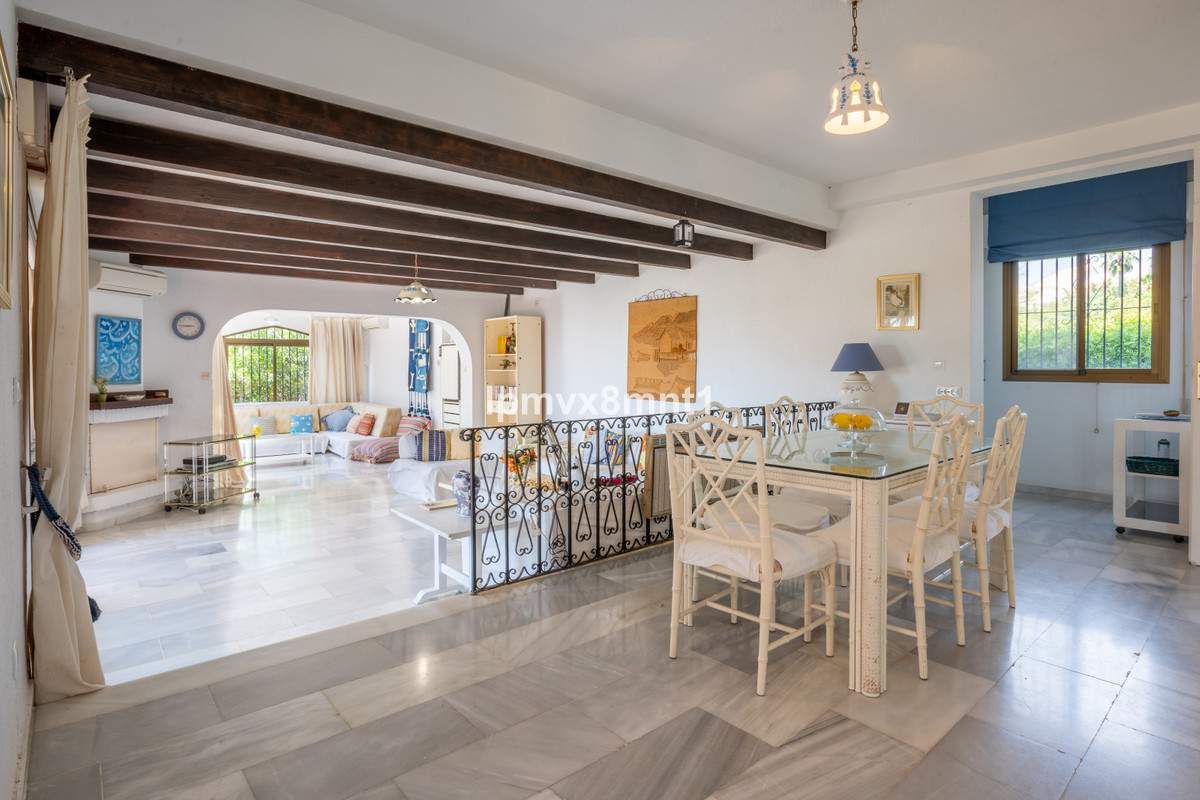Opportunity to buy a lovely large villa in Elviria  to be renovated. Big lush garden,  panoramic vie,Spain