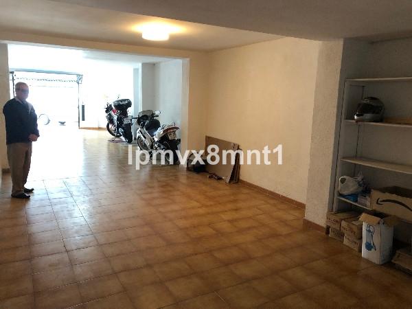 Commercieel te koop in Elviria R3424237