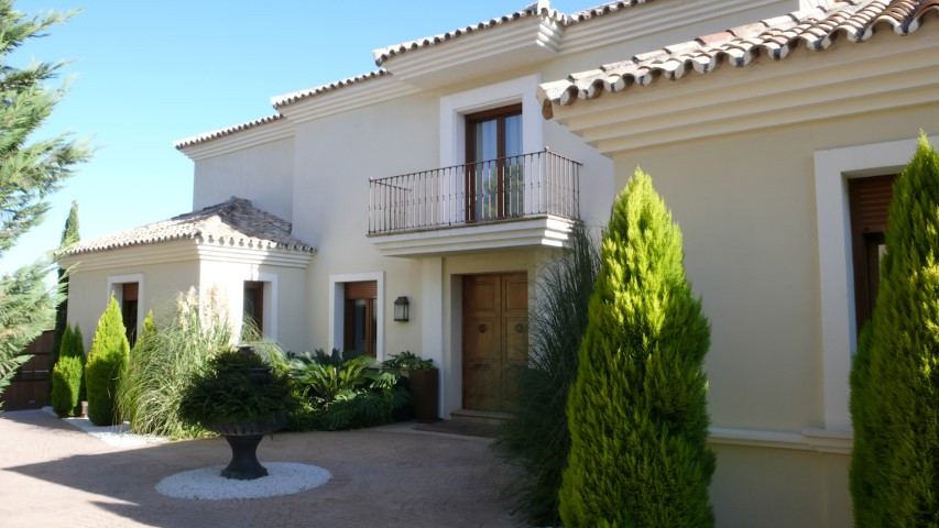 Located close to Los Flamingos Golf course and prestigious 5 star Hotel Villa Padierna, this stunnin,Spain