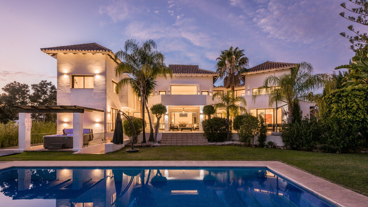 8 Bedroom Detached Villa For Sale Marbella, Costa del Sol - HP3330994